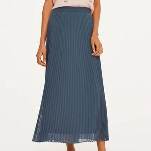Loft szS grayish blue pleated maxi skirt
